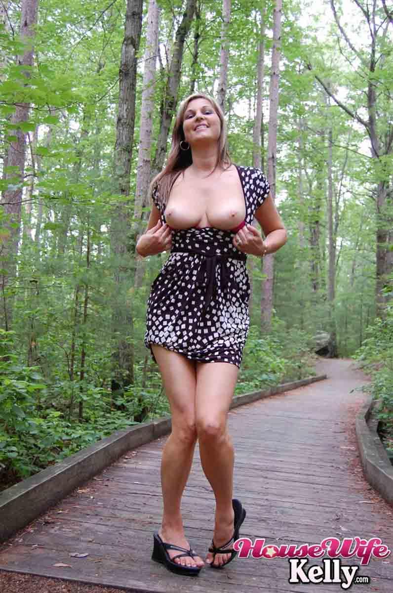 Loira Gostosa De Vestido Sem Calcinha Caiu Na Net